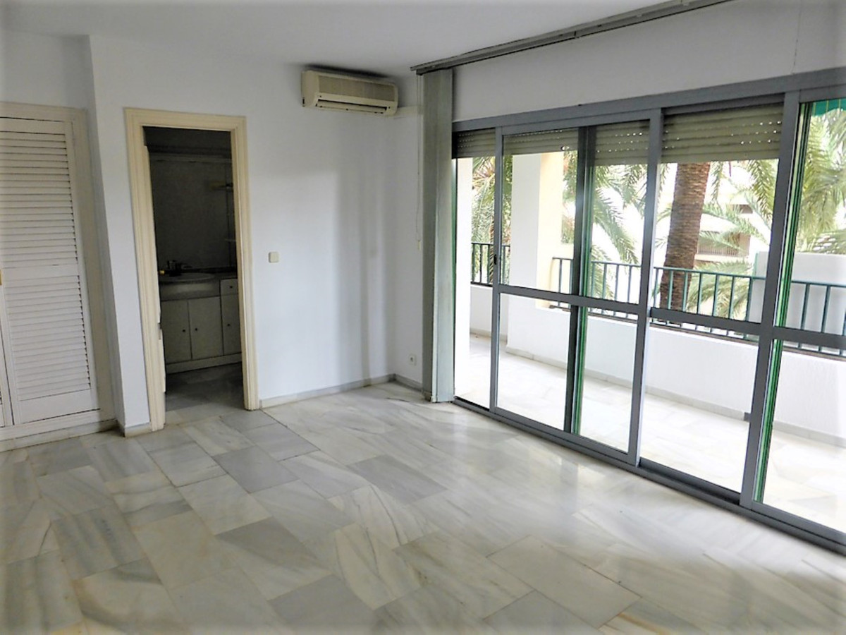 OPPORTUNITY! ¡¡¡FLAT AMPLE OF 3 BEDROOMS CENTER OF MARBELLA ¡¡  Very spacious and bright apartment i,Spain