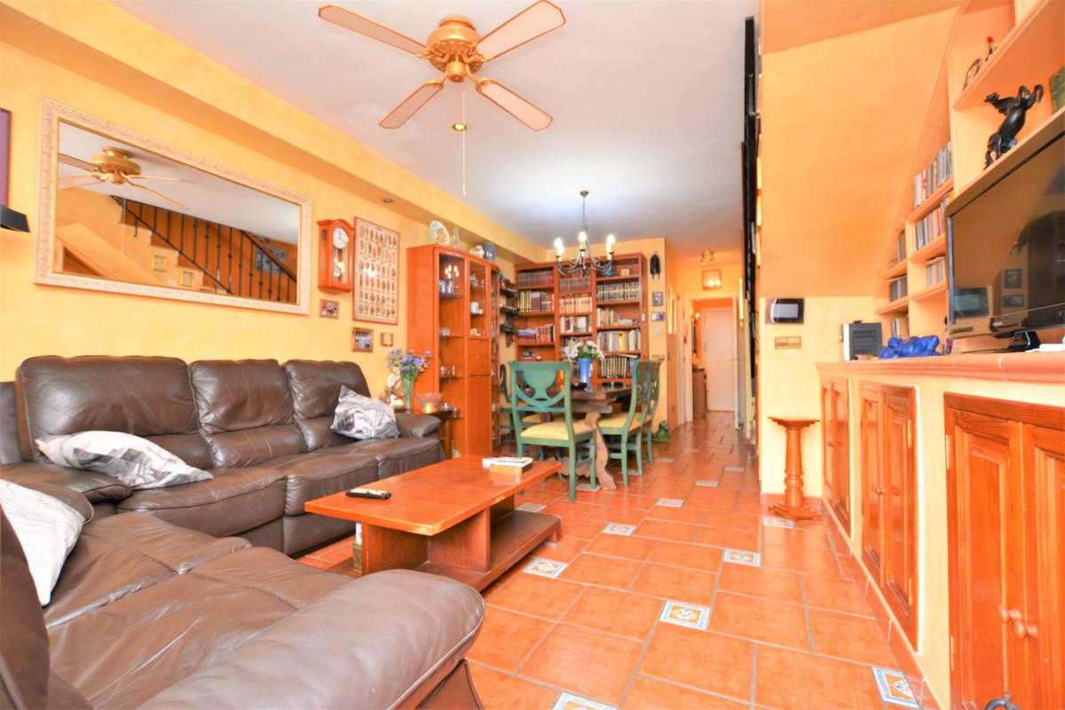 Unifamiliar con 3 Dormitorios en Venta The Golden Mile