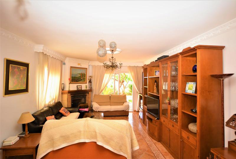 Villa – Chalet en venta en Marbella – R3418756