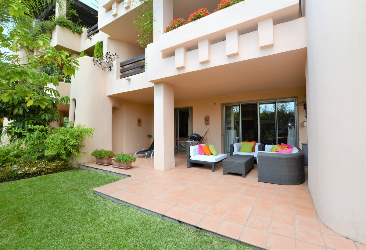R3241312: Apartment for sale in Marbella