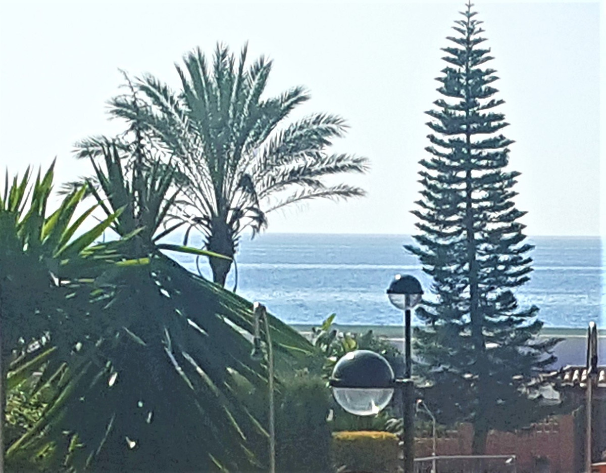 MAGNIFICENT APARTMENT WITH SOUTH FACING TERRACE AND PARTIAL VIEWS TO THE SEA !!, FIRST LINE OF THE B,Spain