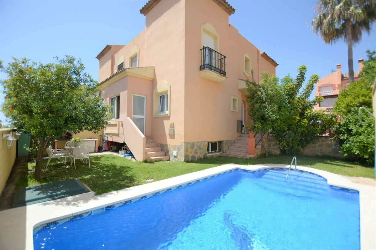 ¡¡¡ NICE SEMIDETACHED HOUSE WITH PRIVATE POOL!!!  Nice semidetached house for sale in Marbella, Bell,Spain