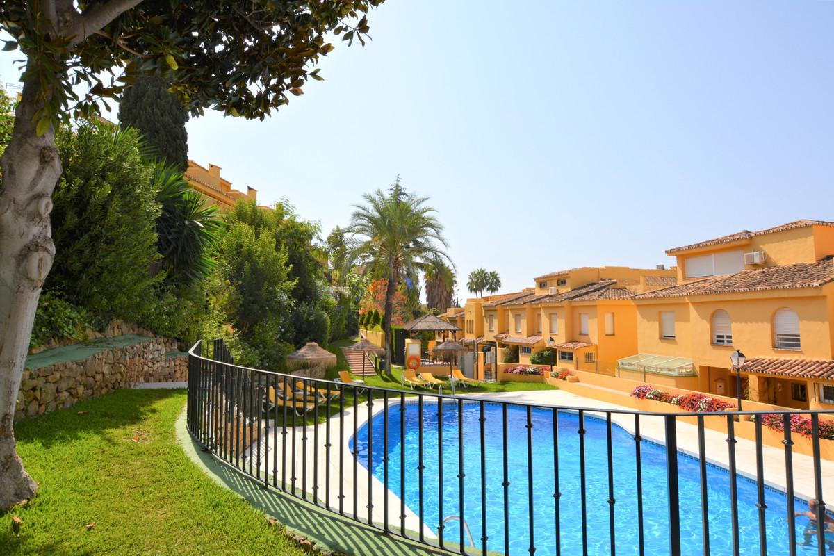 Adosado en Venta en Marbella – R3255025
