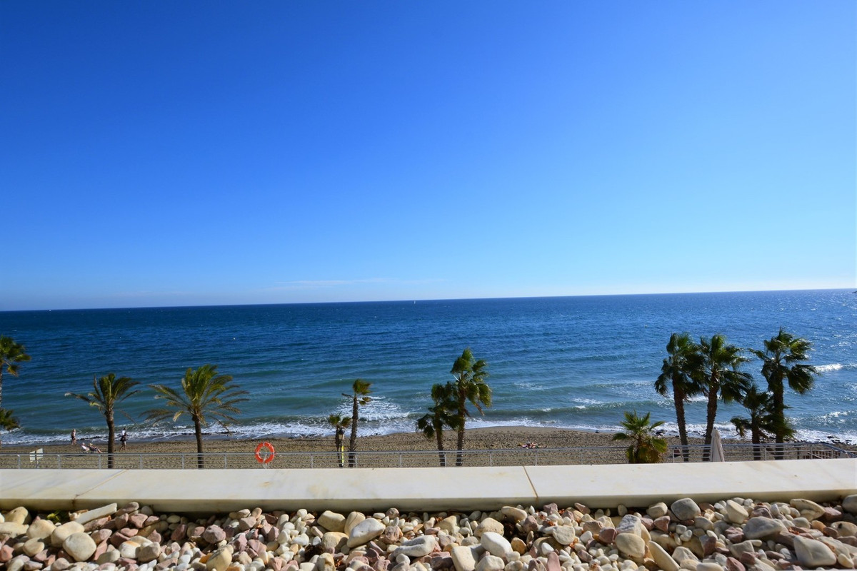 LUXURY APARTMENT, FIRST LINE BEACH, SPECTACULAR VIEWS, SECURITY, UNBEATABLE LOCATION. Stunning 2 bed, Spain