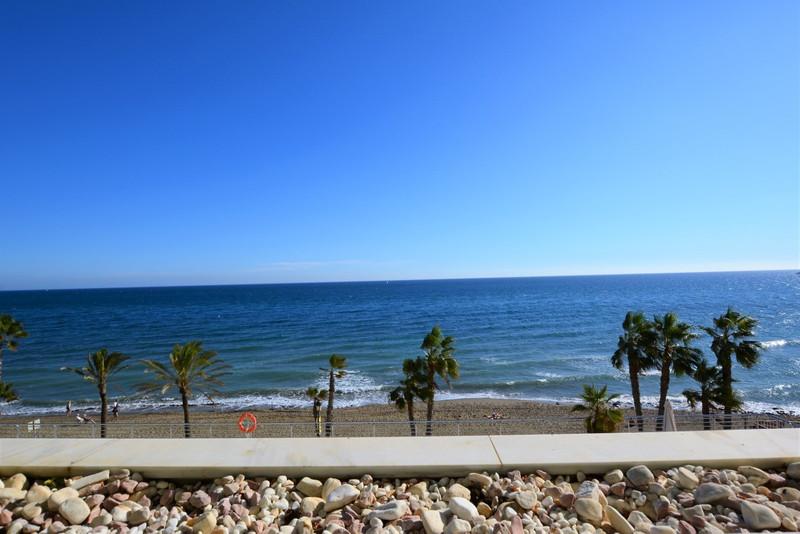 Apartamento Planta Media en venta en Marbella – R3018665