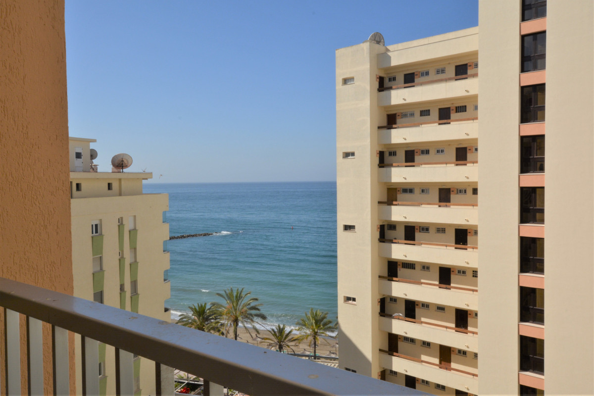 ¡¡ APARTMENT IN FIRST LINE OF THE PROMENADE! MAGNIFICE NT VIEWS TO THE SEA !!  Interesting opportuni, Spain