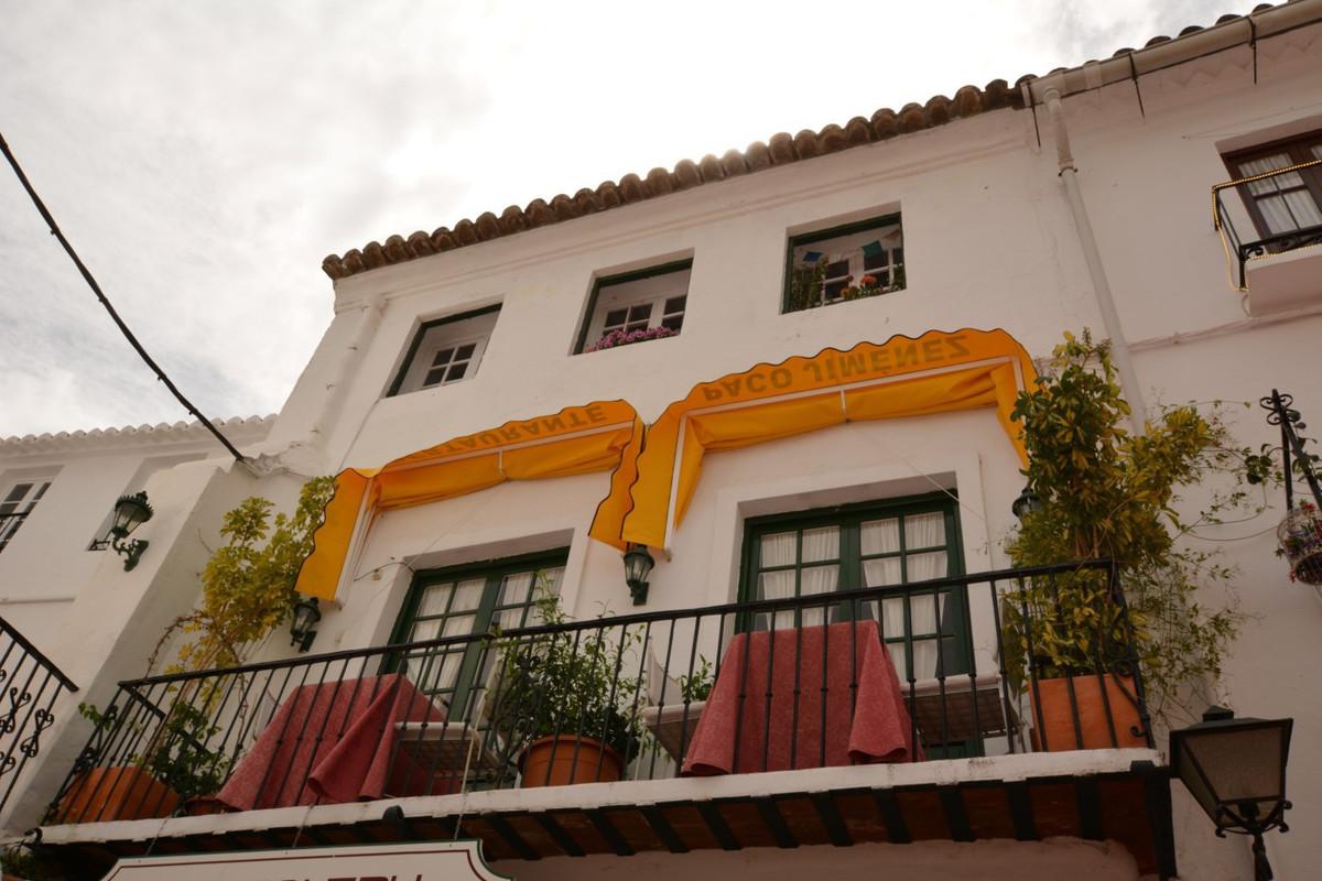 Adosada en Venta en Marbella – R2894735