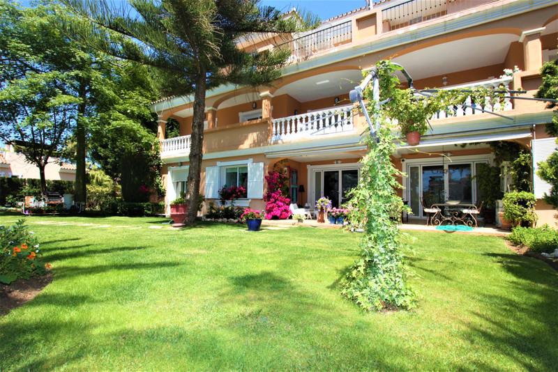 Marbella Banus Apartamento Planta Baja en venta en New Golden Mile – R3425104
