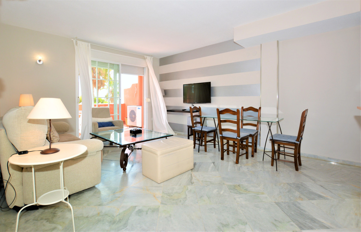 Middle Floor Apartment in El Rosario