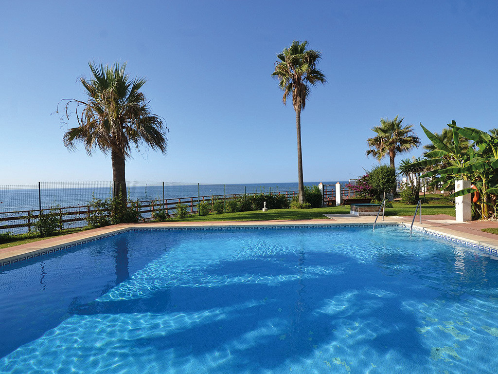 First line beach -Spectacular apartment just a step from the sea in nice and very quite urbanization,Spain
