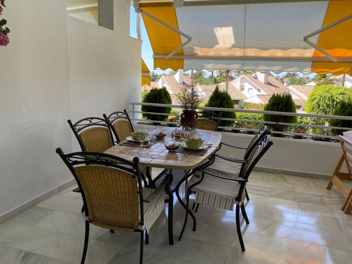 Marbella Banus Apartamento Planta Media en Venta en Guadalmina Baja – R3699650