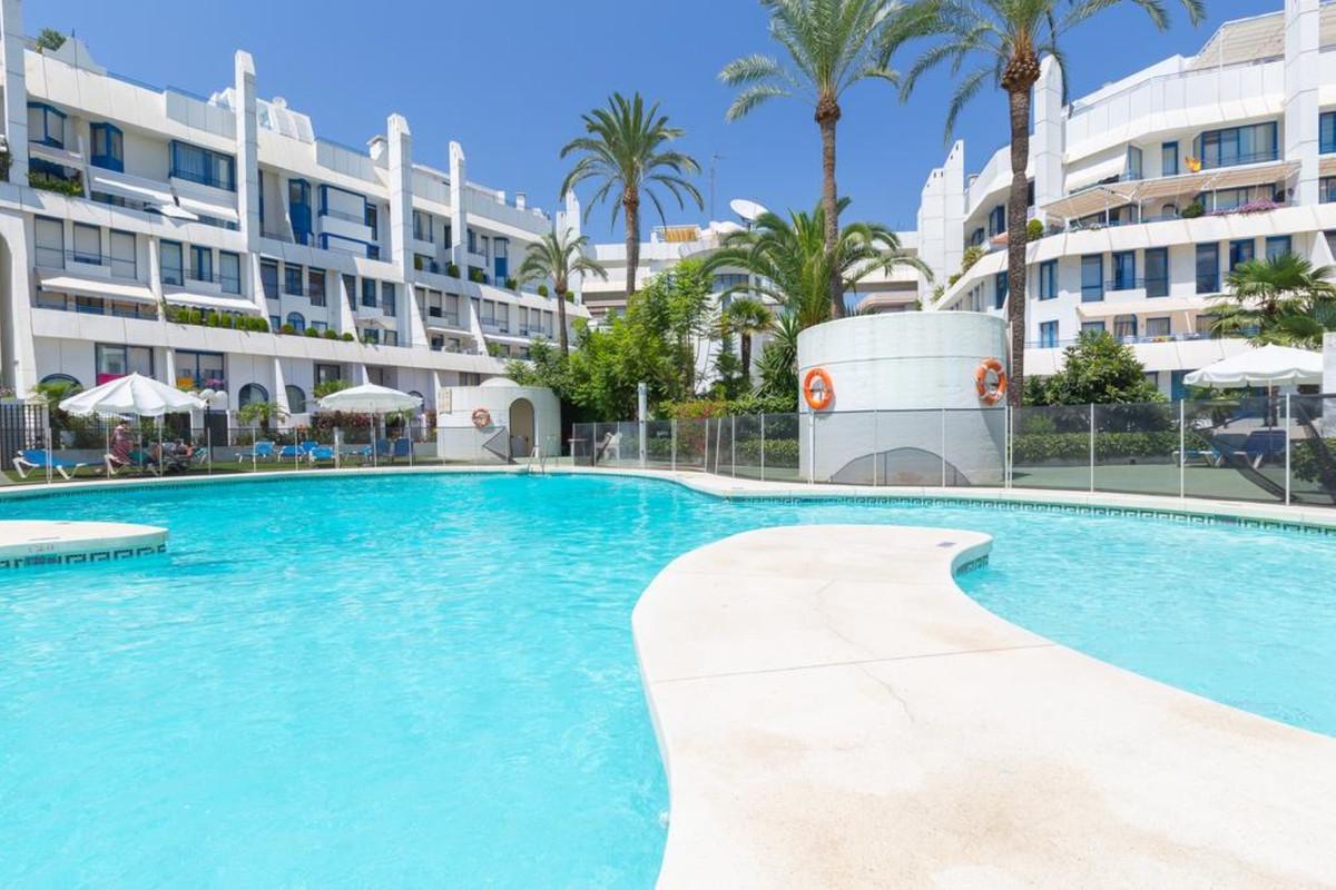 Marbella Banus Ático en Venta en Marbella – R3652007