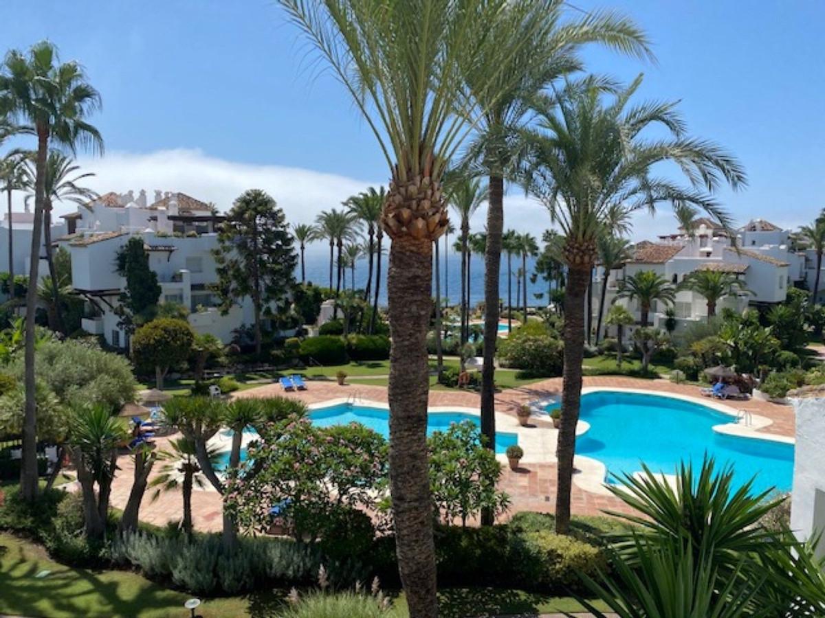 Marbella Banus Apartamento Planta Baja en Venta en New Golden Mile – R3693584