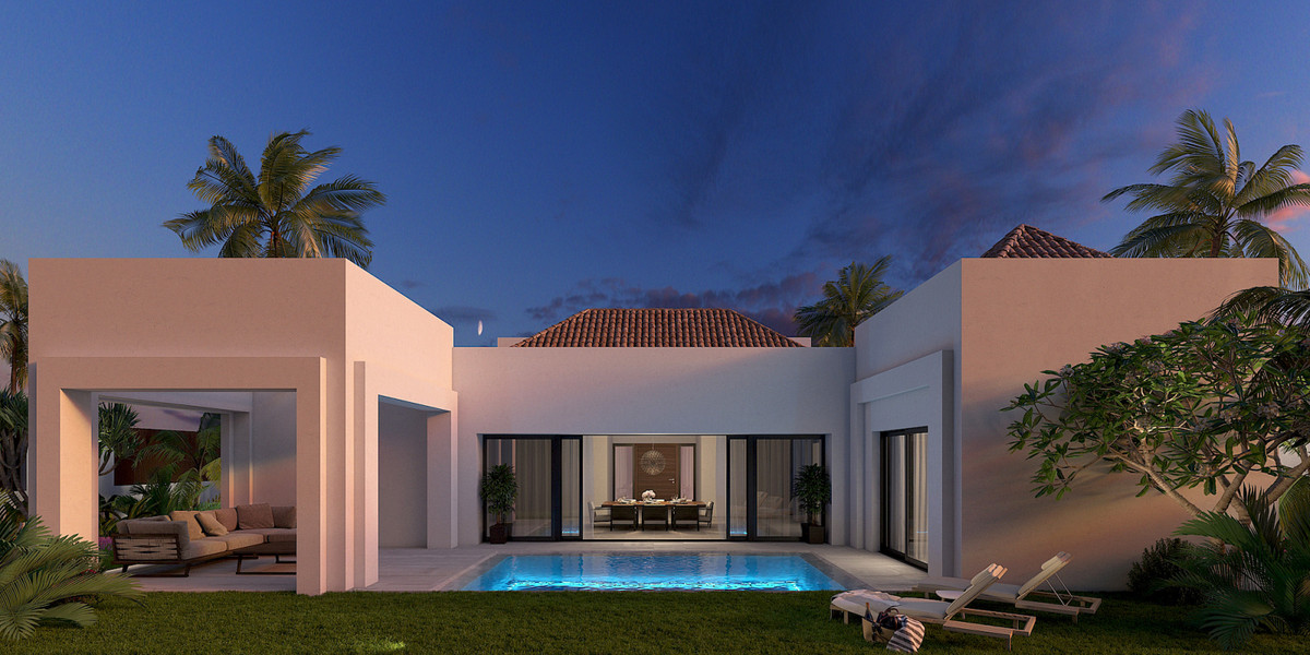 Lovely villa under construction next to the beach in San Pedro. The villa is built with high quality, Spain