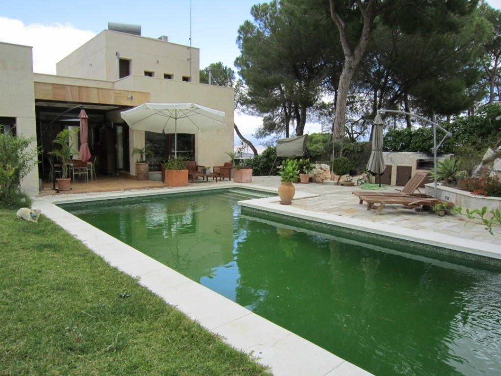 Villa for Sale in Alhaurín de la Torre, Costa del Sol