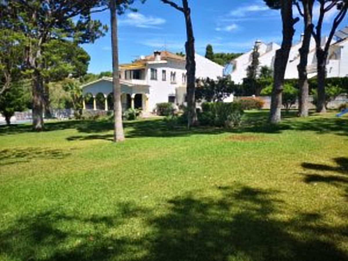 4 bedroom villa for sale costabella