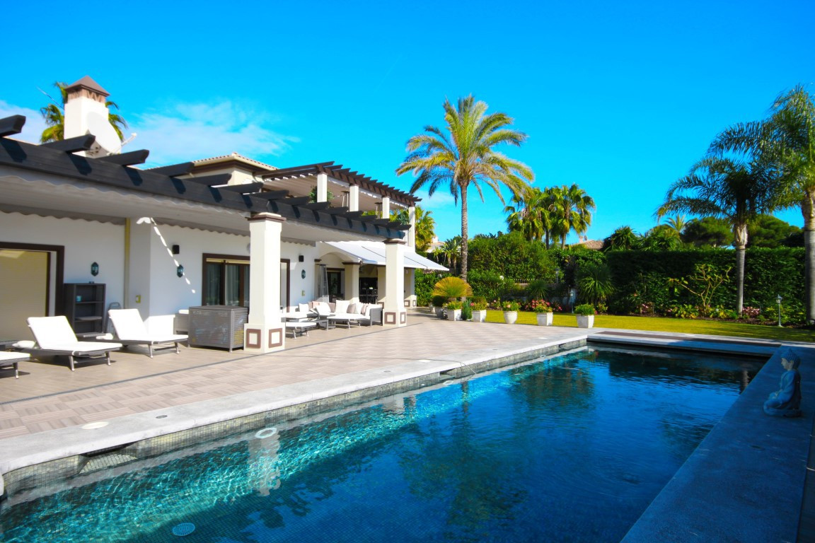 Villa for Sale in Bahía de Marbella, Costa del Sol