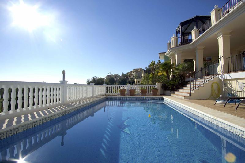 Villa – Chalet en venta en Elviria – R2928746