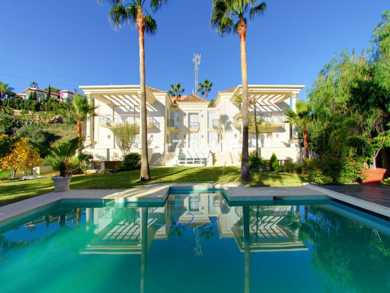 Villa for Sale in Hacienda Las Chapas, Costa del Sol