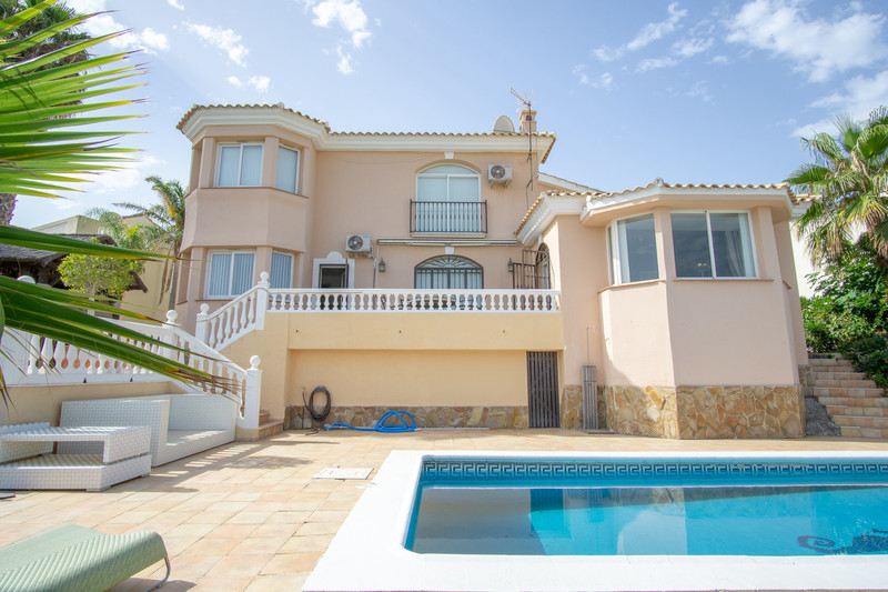 Detached Villa Riviera del Sol