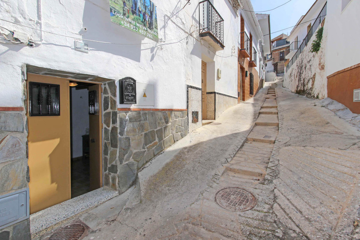 Townhouse for Sale in Guaro, Costa del Sol
