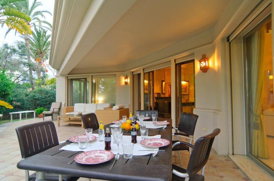 Villa con 5 Dormitorios en Venta El Rosario