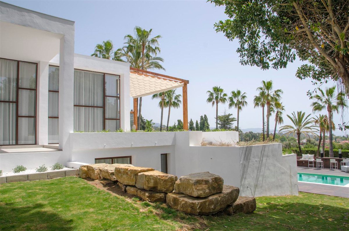 Villa for Sale in Nagüeles, Costa del Sol