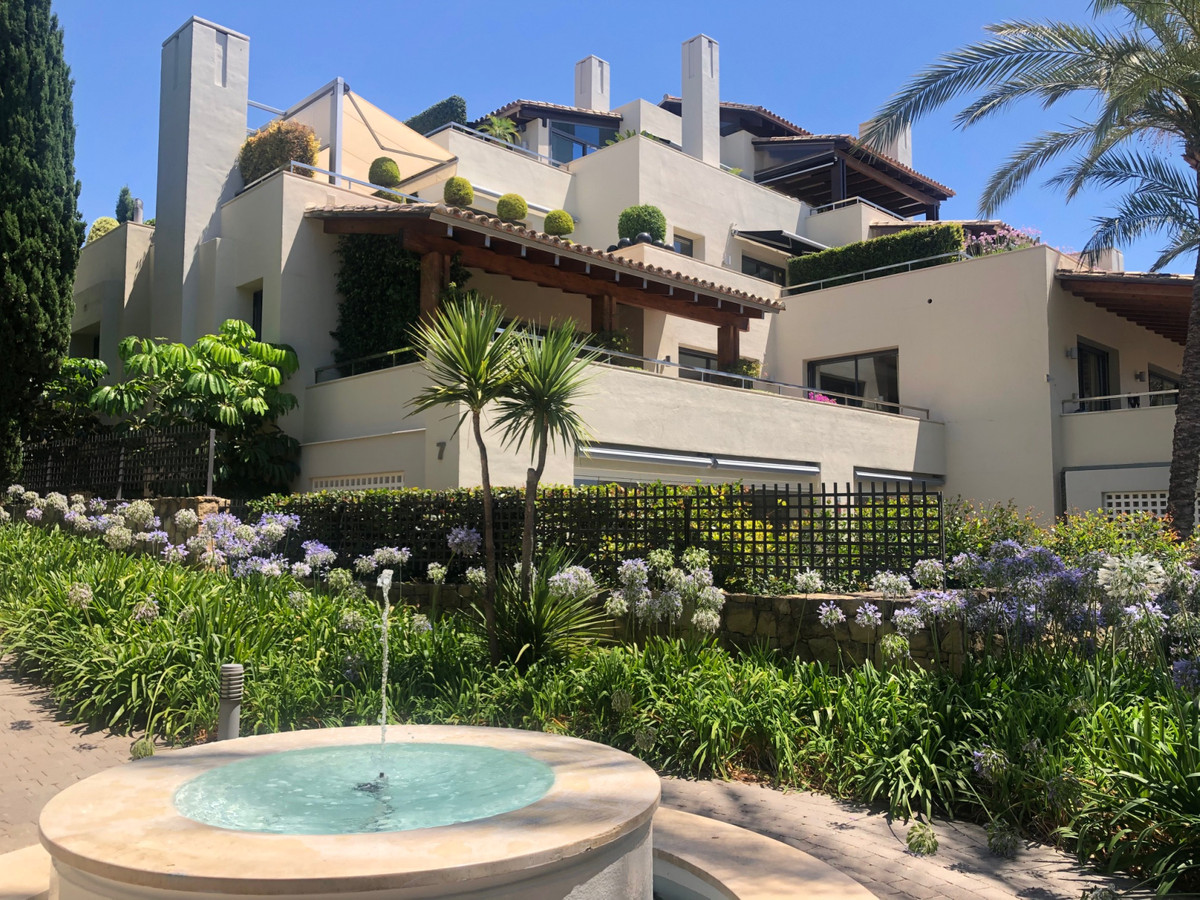 Ground Floor Apartment for sale in Marbella R3668321