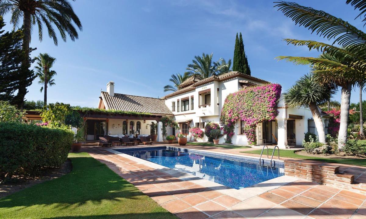 Marbella Banus Villa – Chalet en Venta en Nueva Andalucía – R3556051