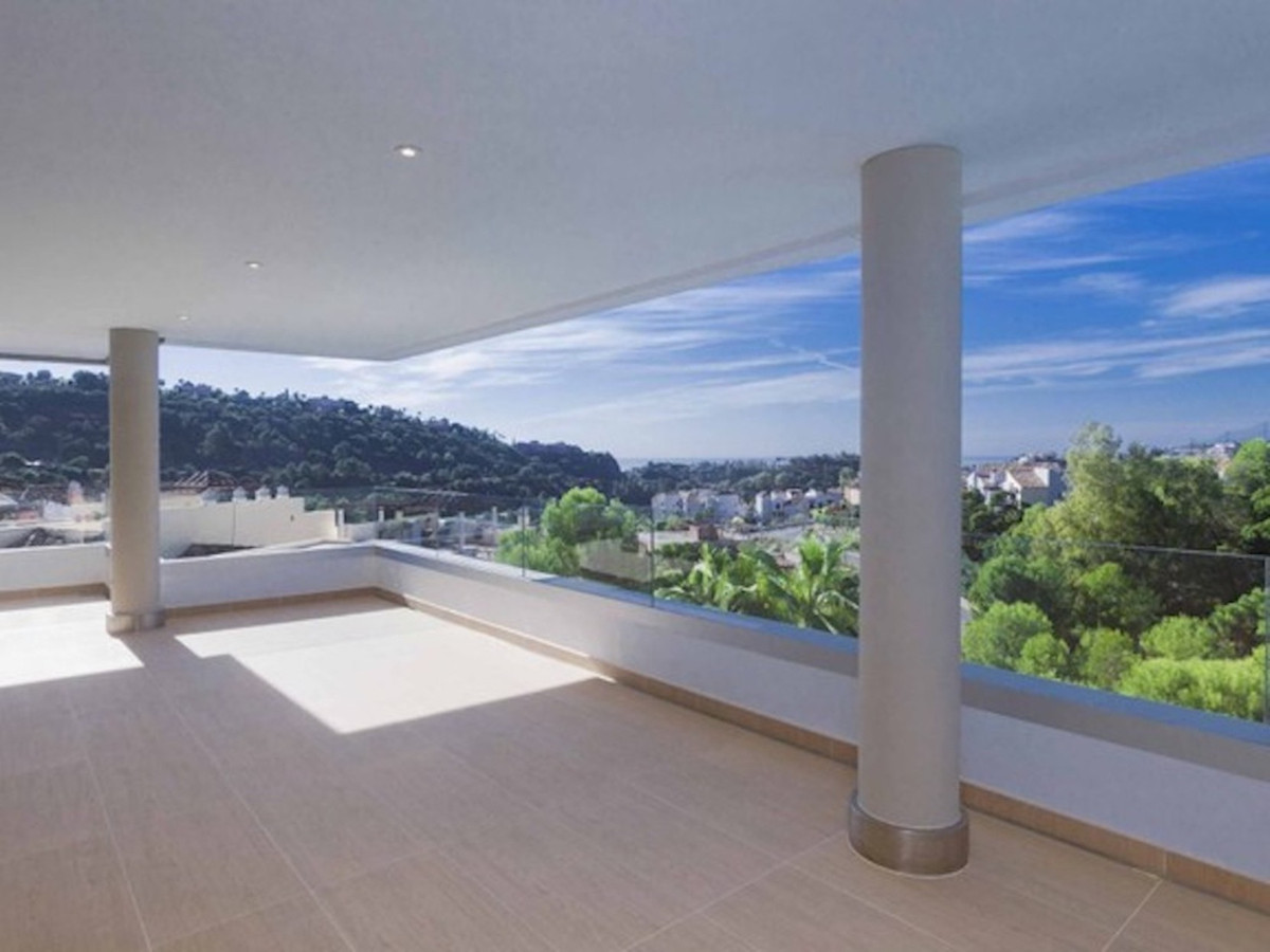Stunning contemporary and spacious apartment in Benahavis with panoramic views to the sea, golf cour,Spain