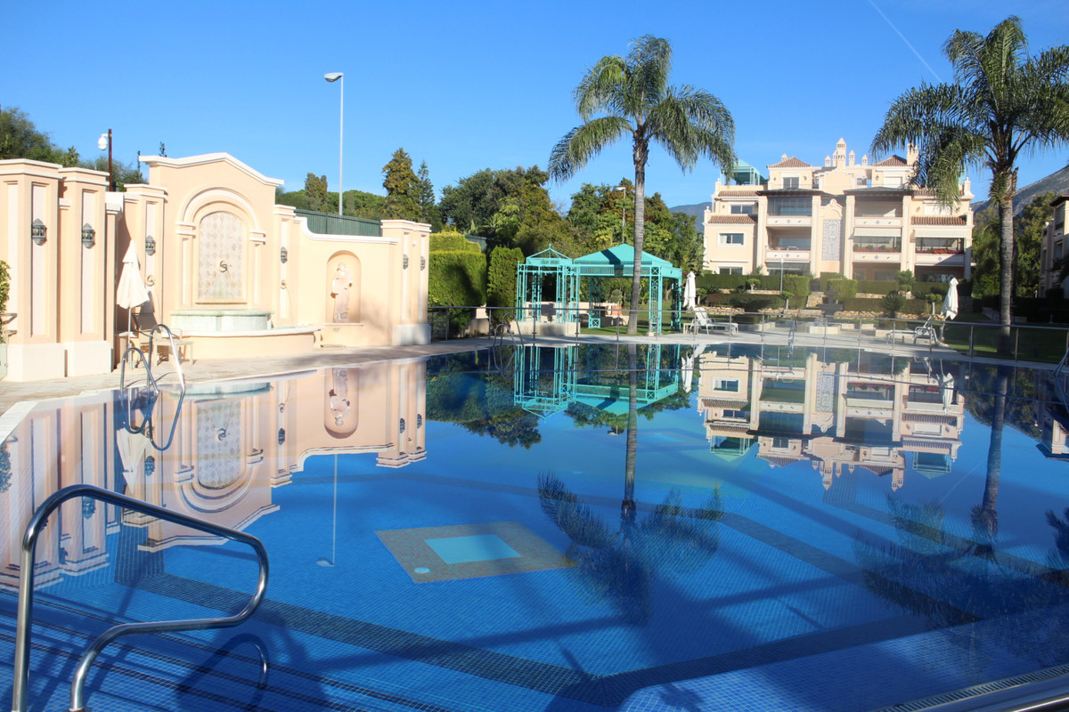 Ground floor apartment, with a constructed area of 280m2 and includes 3 bedrooms, 3 bathrooms and a ,Spain
