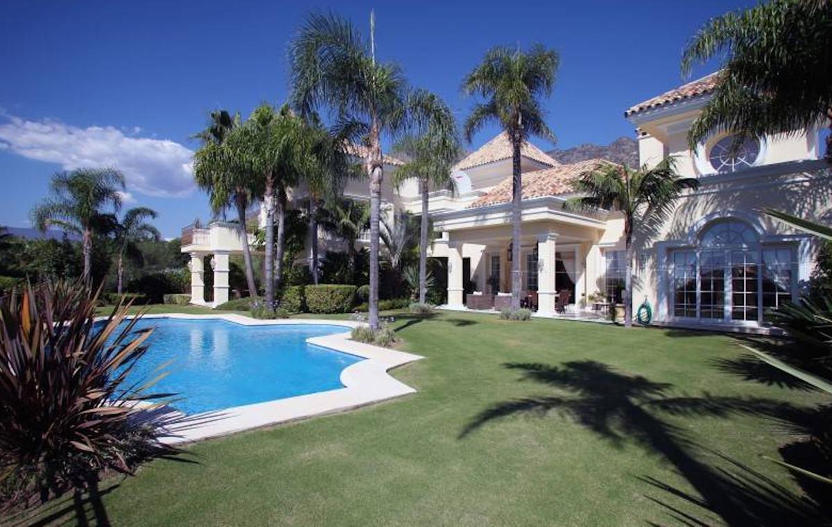 Detached Villa for sale in Sierra Blanca R3540997