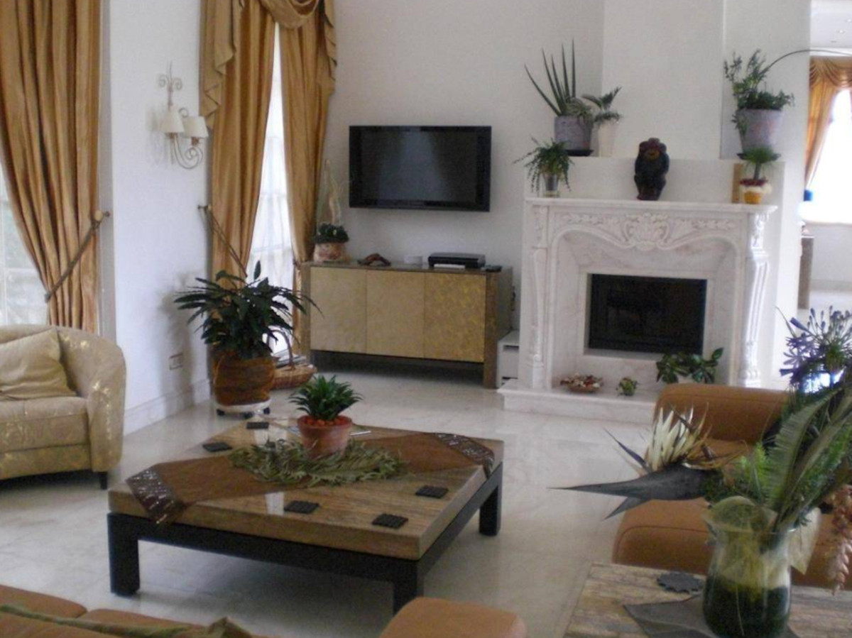 Villa Detached in Sierra Blanca, Costa del Sol