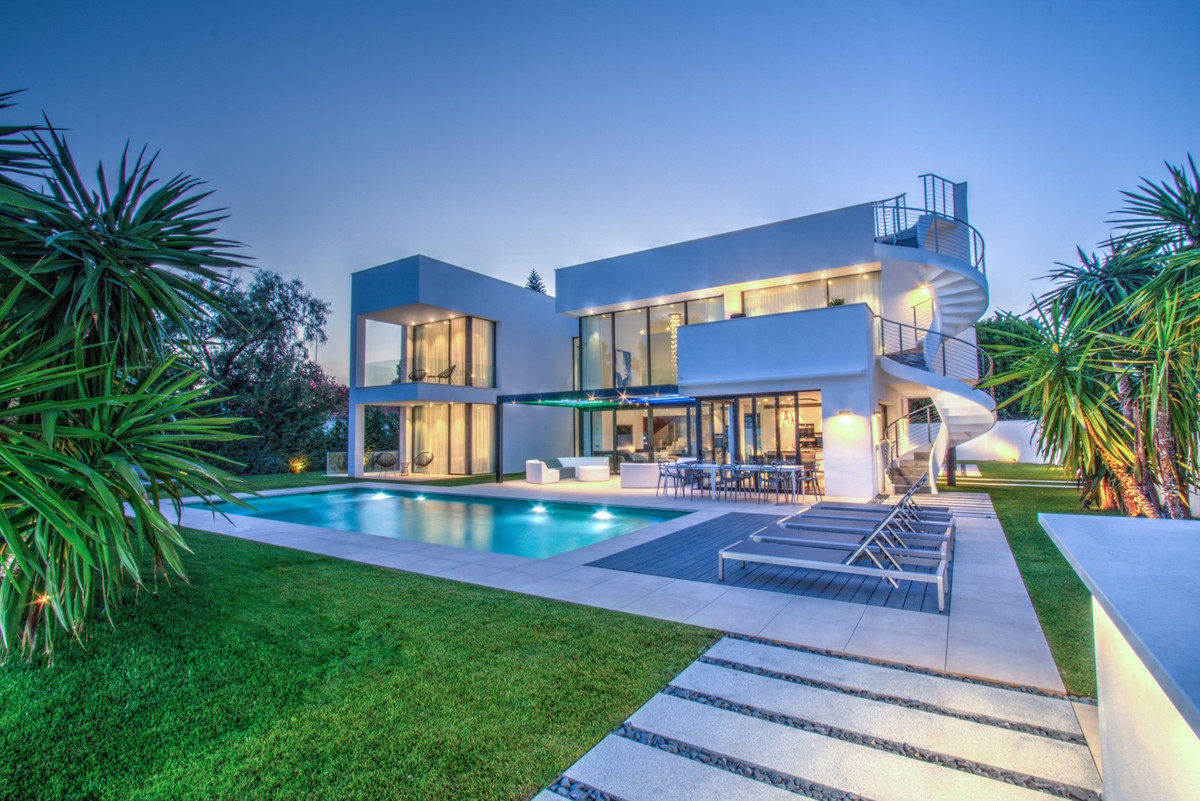 This unique villa was completed in summer 2017. Providing the ultimate in beach side contemporary li,Spain