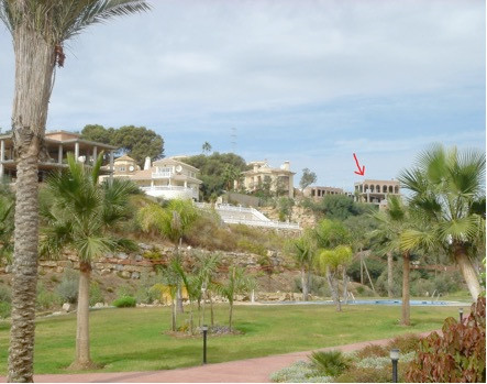 Villa in Marbella, which is not completed. With south orientation and panoramic views of the sea. Bu,Spain