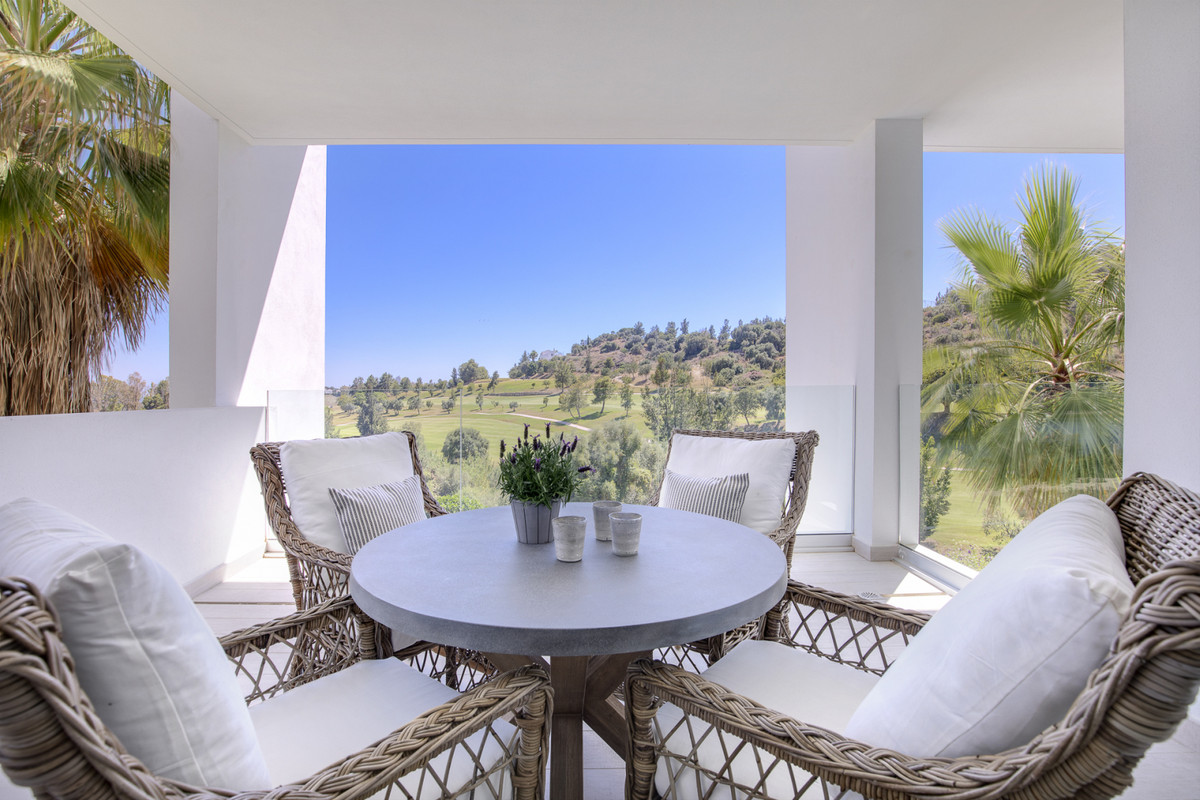Luxury newly built middle floor apartment  with a total area of ? 102m2 and consists of 2 bedrooms, ,Spain
