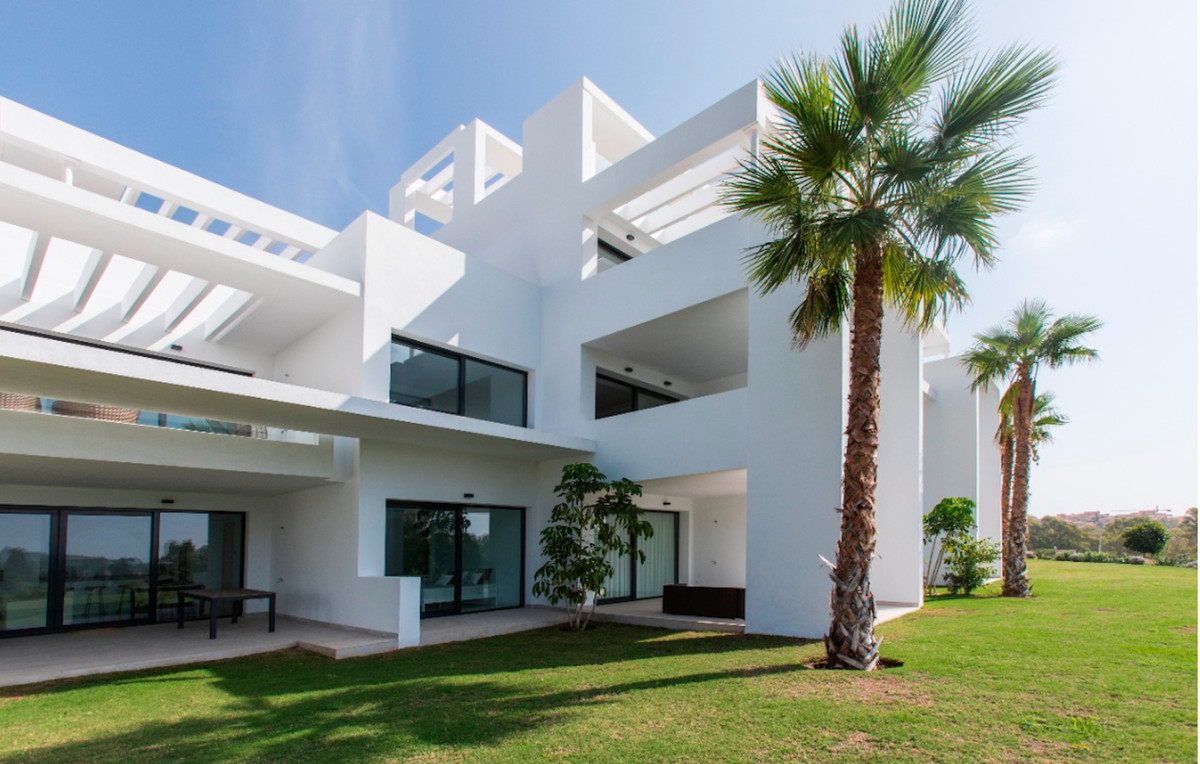 Modern newly built ground floor apartment  with a total area of ??223m2 and consists of 3 bedrooms, ,Spain