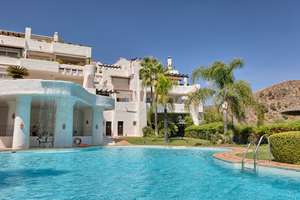 Beautiful spacious 3-bedroom elevated groundfloor apartment in 168 m2, south to southeast facing, wi,Spain
