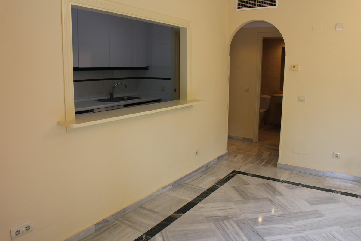 2 Bedroom Ground Floor Apartment For Sale Marbella