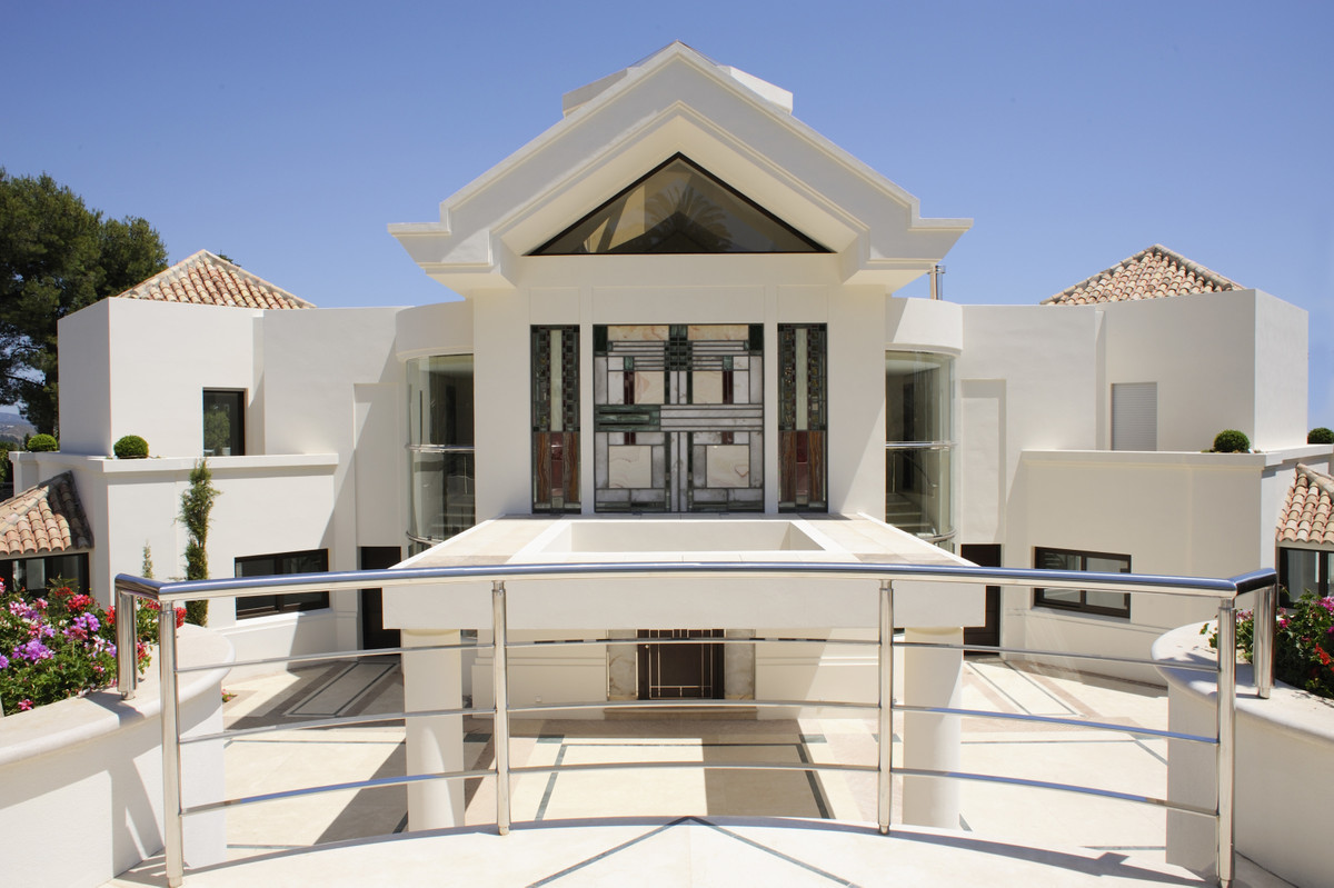 Exceptional modern villa, in one of the most prestigious areas of Marbella - Sierra Blanca.  With th, Spain