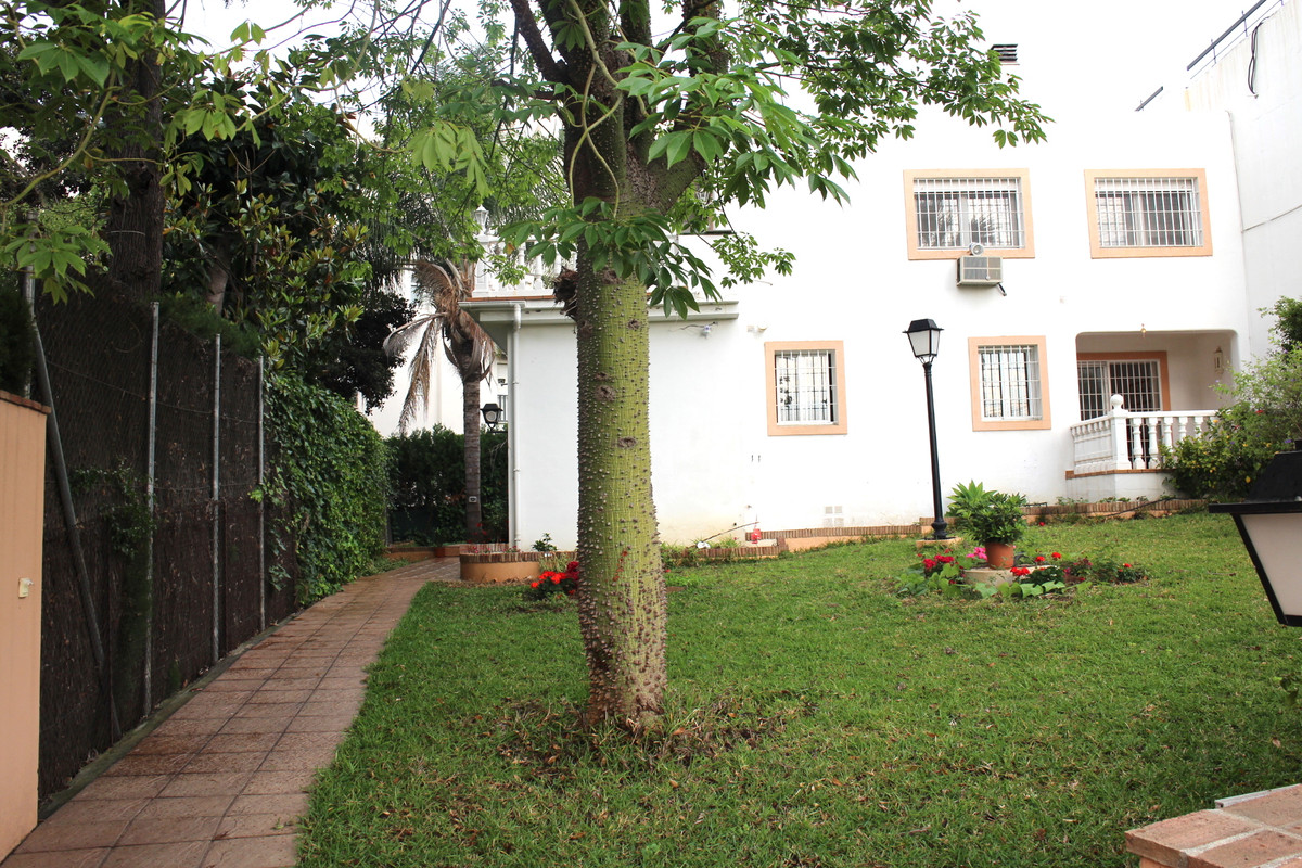 Villa on two floors, located in the best area of ??Nueva Andalucia, a few meters from Puerto Banus a, Spain