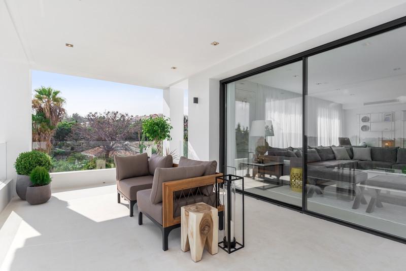 Villa – Chalet, Nueva Andalucía – R3041555