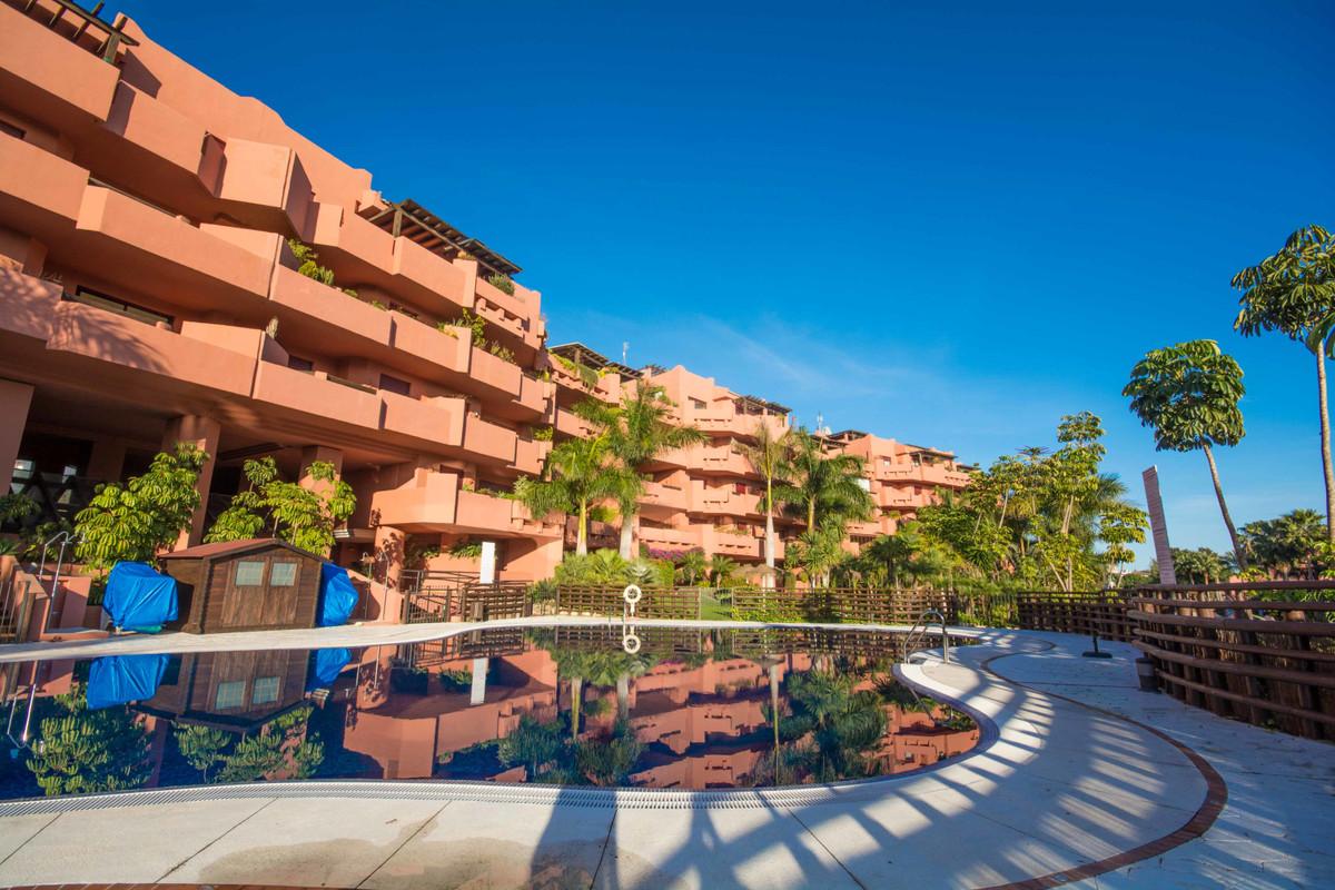 Marbella Banus Apartamento en Venta en New Golden Mile – R2419415