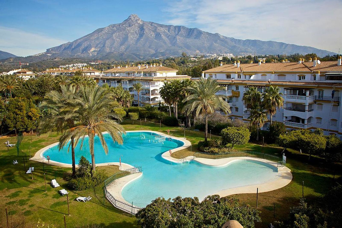 Apartment with first occupation license and 5 minutes walk from famous Puerto Banus and the beach. W, Spain