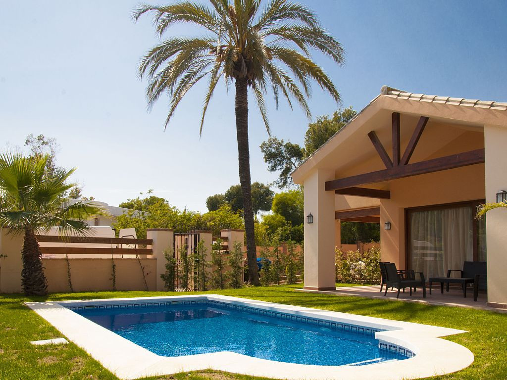 Modern 2 level villa with great views, tastefully decorated for maximum comfort with good quality fu,Spain