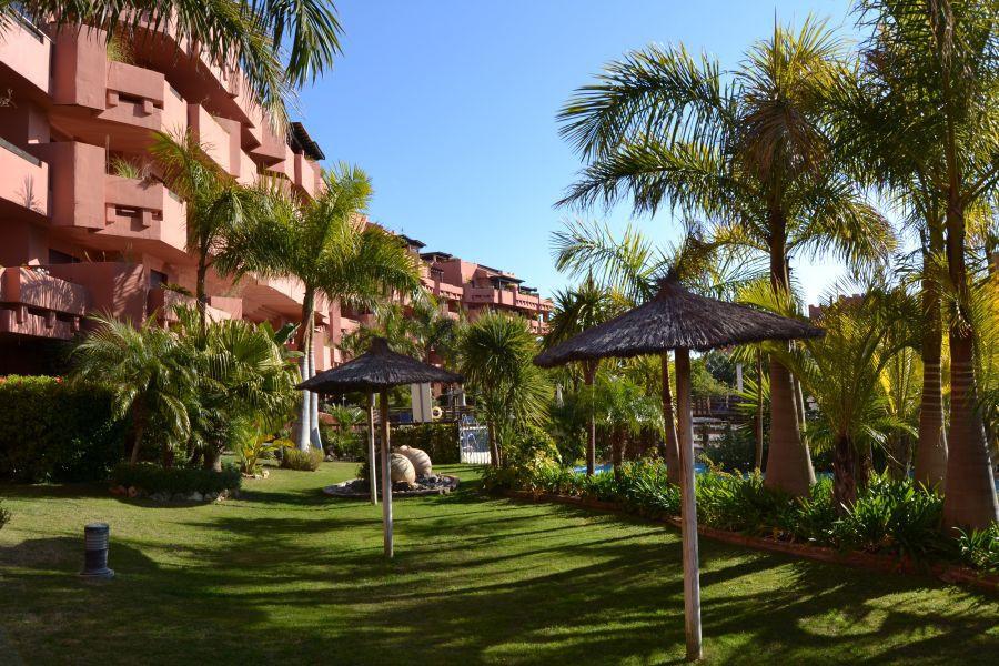 Marbella Banus Apartamento Planta Media en venta en New Golden Mile – R2605115