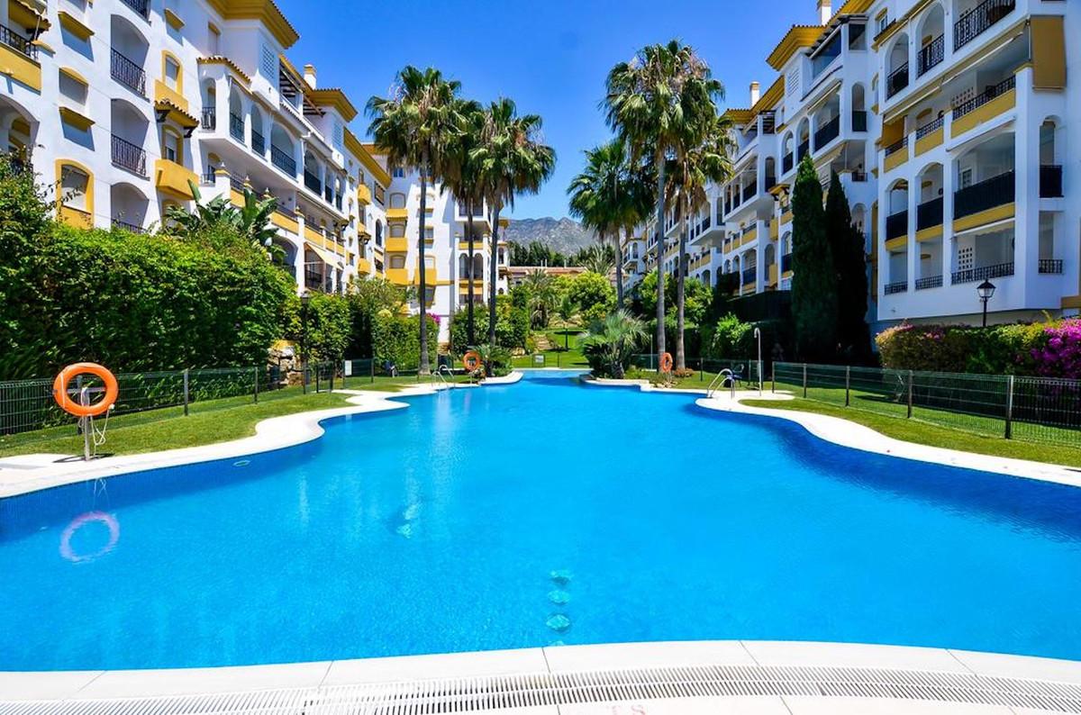 Middle Floor Apartment · Marbella