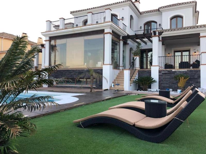 Villa – Chalet en venta en Manilva – R3437947