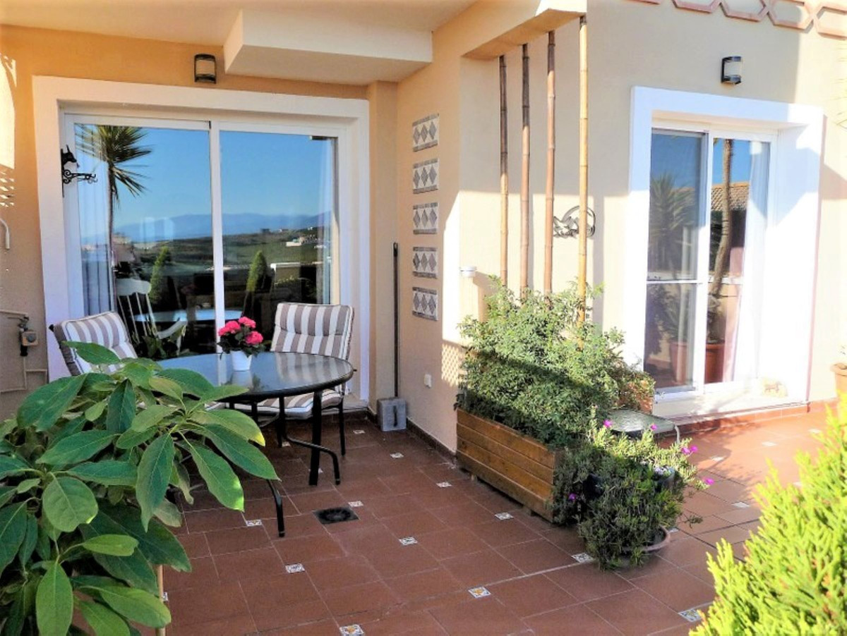 In a well-established and tranquil resort above marina la Duquesa, lays this beautifully maintained ,Spain