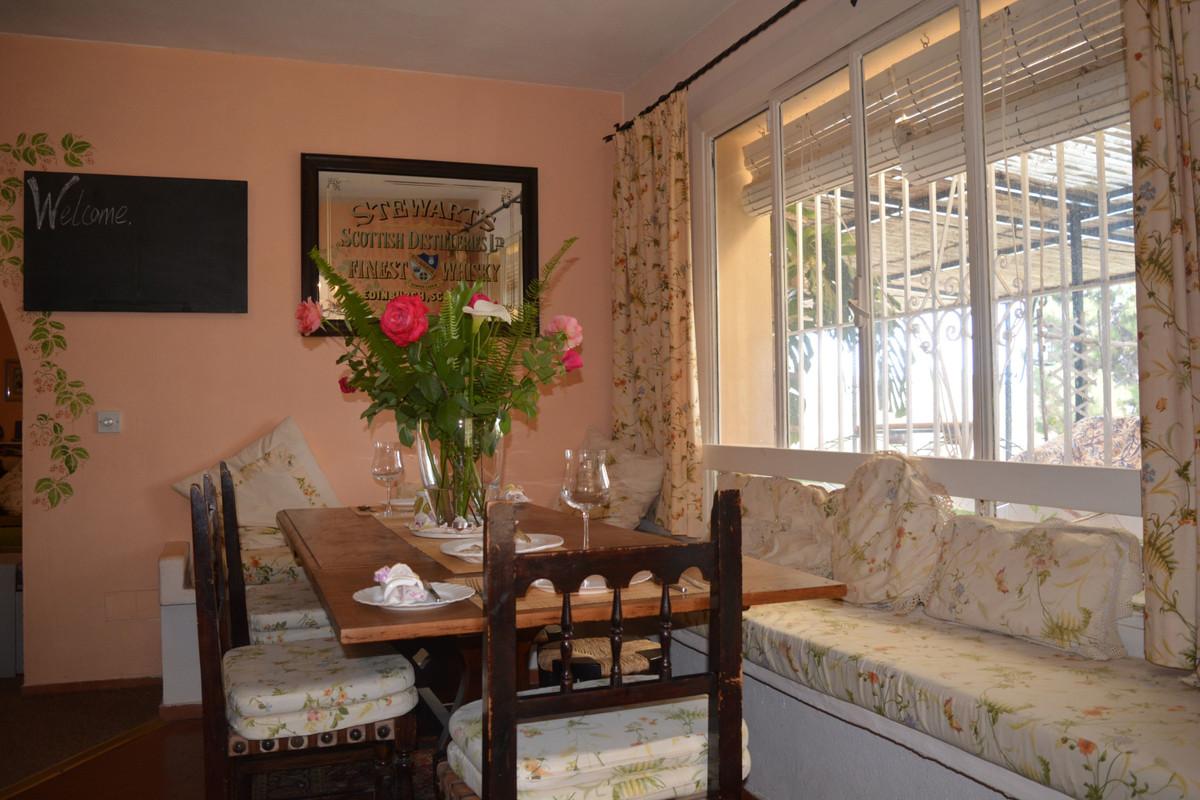 Villa con 7 Dormitorios en Venta Estepona